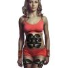 femme utilisant patchs electrostimulation musculaire abdos et jambes sans fil