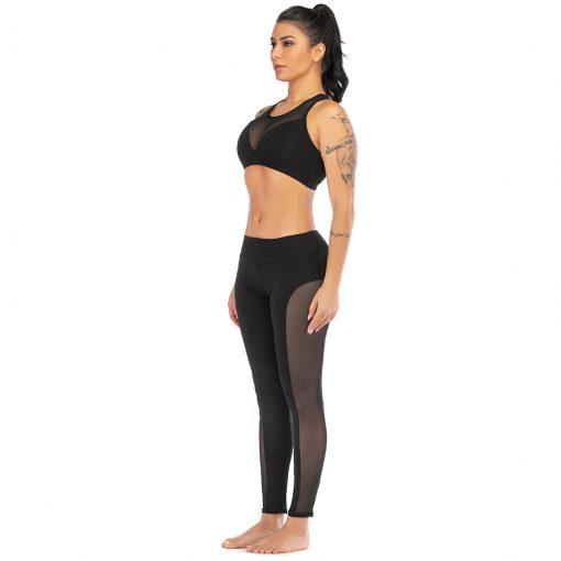 Ensemble de sport pour femme avec legging et brassière en couleur noire