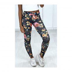 legging noir motif fleurs couleurs pose jambe flechie