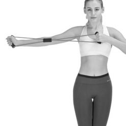 femme utilisant elastique musculation pour extension unilaterale