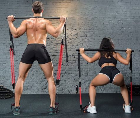 barre elastique fitness musculation exercice homme femme couple squats