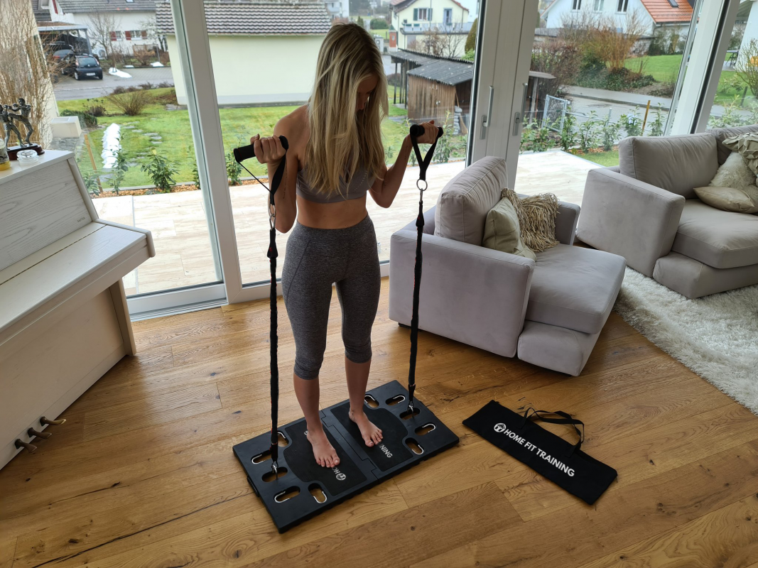 femme exercice maison curl systeme d entrainement complet portatif avec guide d exercices all in one home fit training