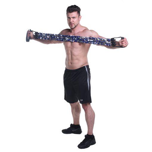 homme utilisant force expander extenseur multifonction de musculation elastiques