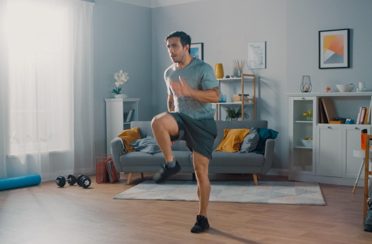 exercice pietinnement montee de genoux