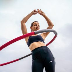 femme utilisant cerceau hula hoop fitness calories 1.2kg 100 cm