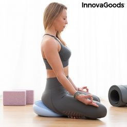 femme position lotus yoga meditation coussin equilibre