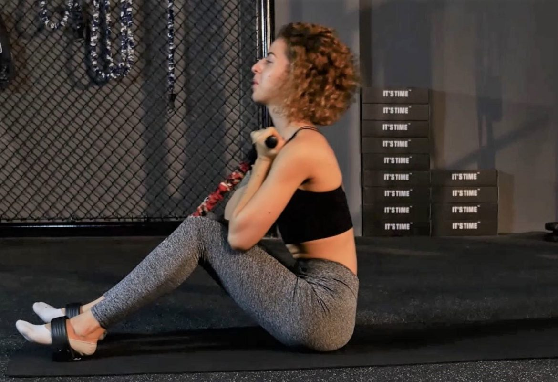 rameur elastique exercice crunch